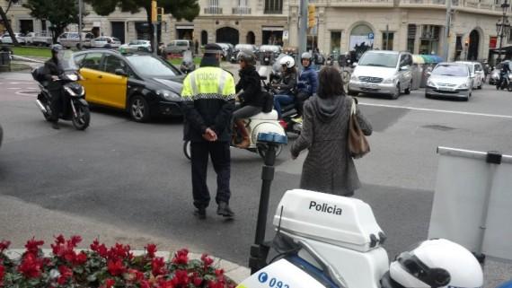 Control de motos de la Guàrdia Urbana