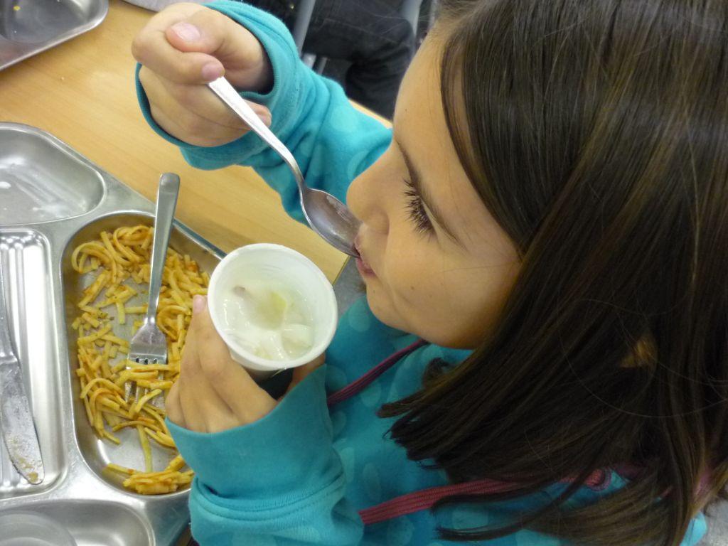 El Ayuntamiento amplía en 2,8 millones las becas de comedor escolar ...