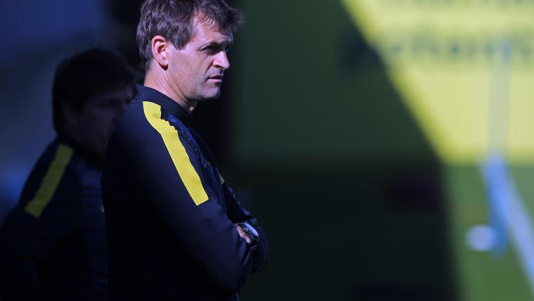 Mor l'exentrenador del Barça Tito Vilanova