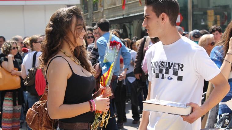 Barcelona es bolca en la Diada de Sant Jordi