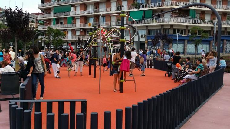 Els veïns de Navas estrenen la reformada Plaça de la Mainada