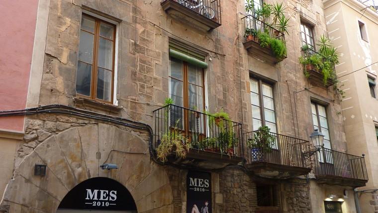 El ayuntamiento pide a la sareb destinar a alquiler social for Pisos sareb barcelona