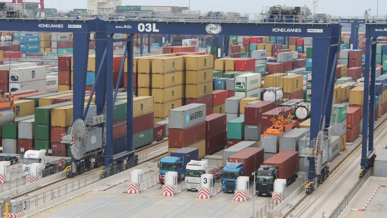 El Port de Barcelona aposta per tenir la terminal de contenidors més productiva del món