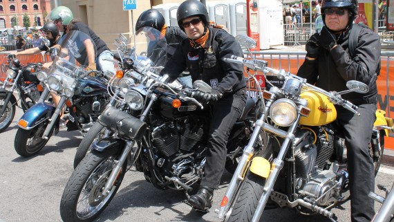 Moters arribant al Barcelona Harley Days