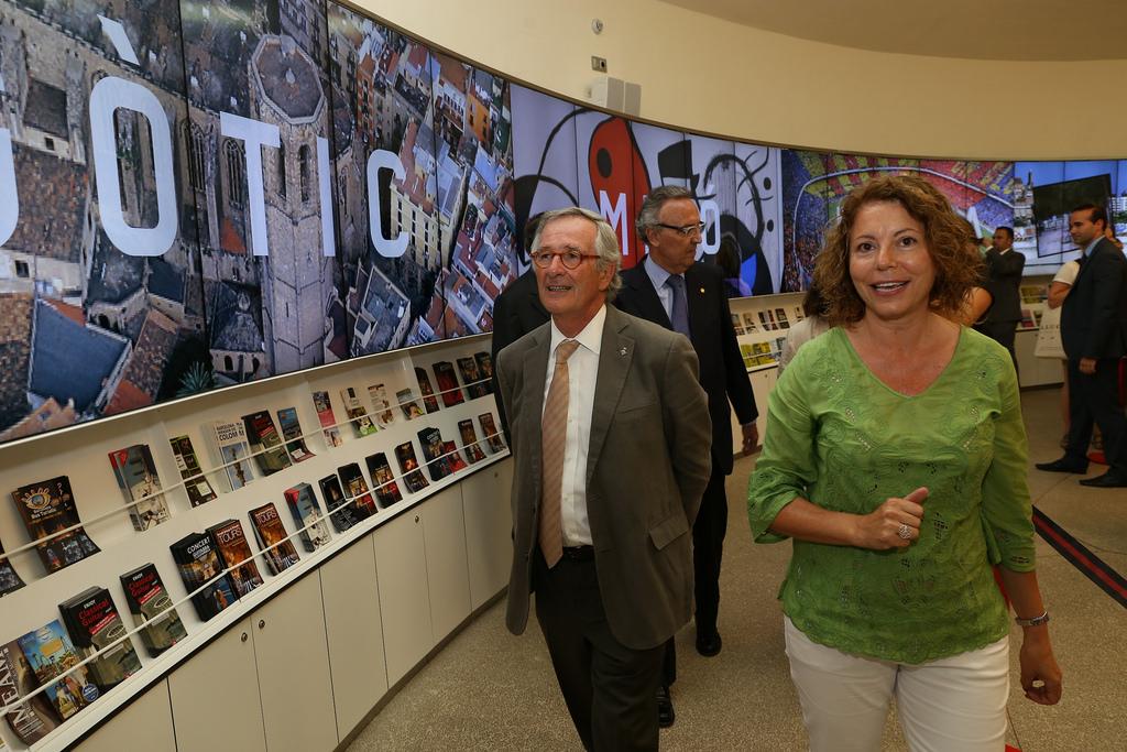 La principal oficina de turismo de la ciudad estrena instalaciones el digital d barcelona - Oficina de turismo de barcelona ...