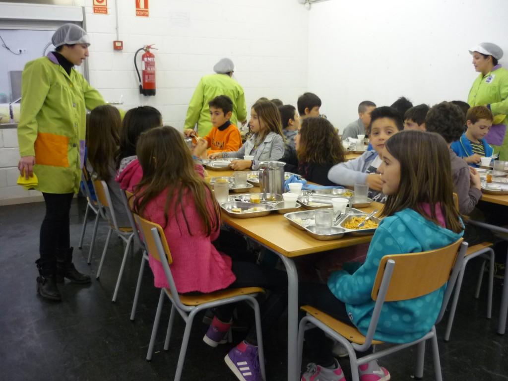 Empieza el curso con m s alumnos en los centros educativos for Becas comedor barcelona
