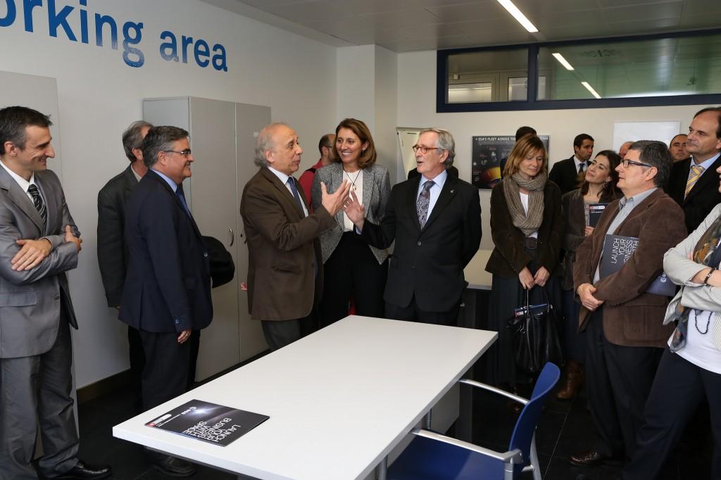 Barcelona activa impulsa la primera incubadora de for Oficina ups barcelona