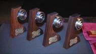 Cada premiat va rebre una Rosa de Plata