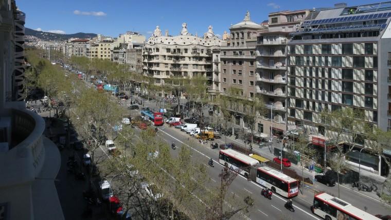 Barcelona fixa les bases per a un model de consens sobre el turisme
