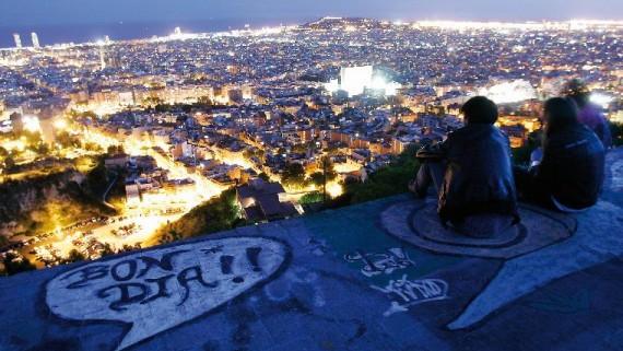 Vistes des del turó de la Rovira. Llibre 'Barcelona hora màgica'. foto: Jordi Play