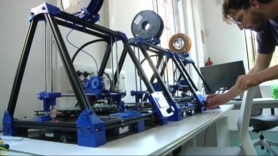Els Ateneus de Fabricació ofereixen espais per aprendre, crear i formar-se