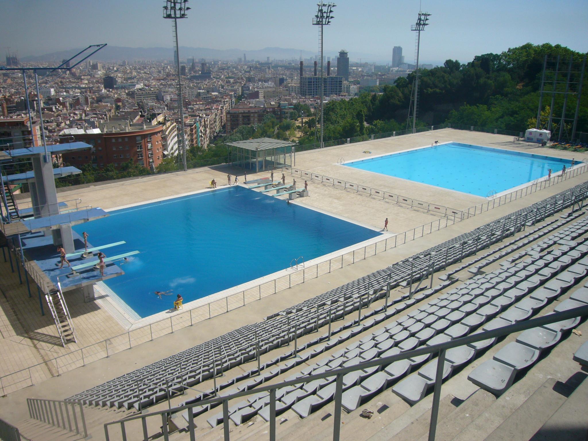 Las piscinas municipales una buena f rmula para combatir for Piscinas municipales barcelona