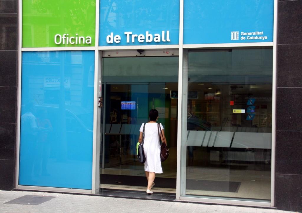 barcelona alcanza en julio la cifra m s baja de parados
