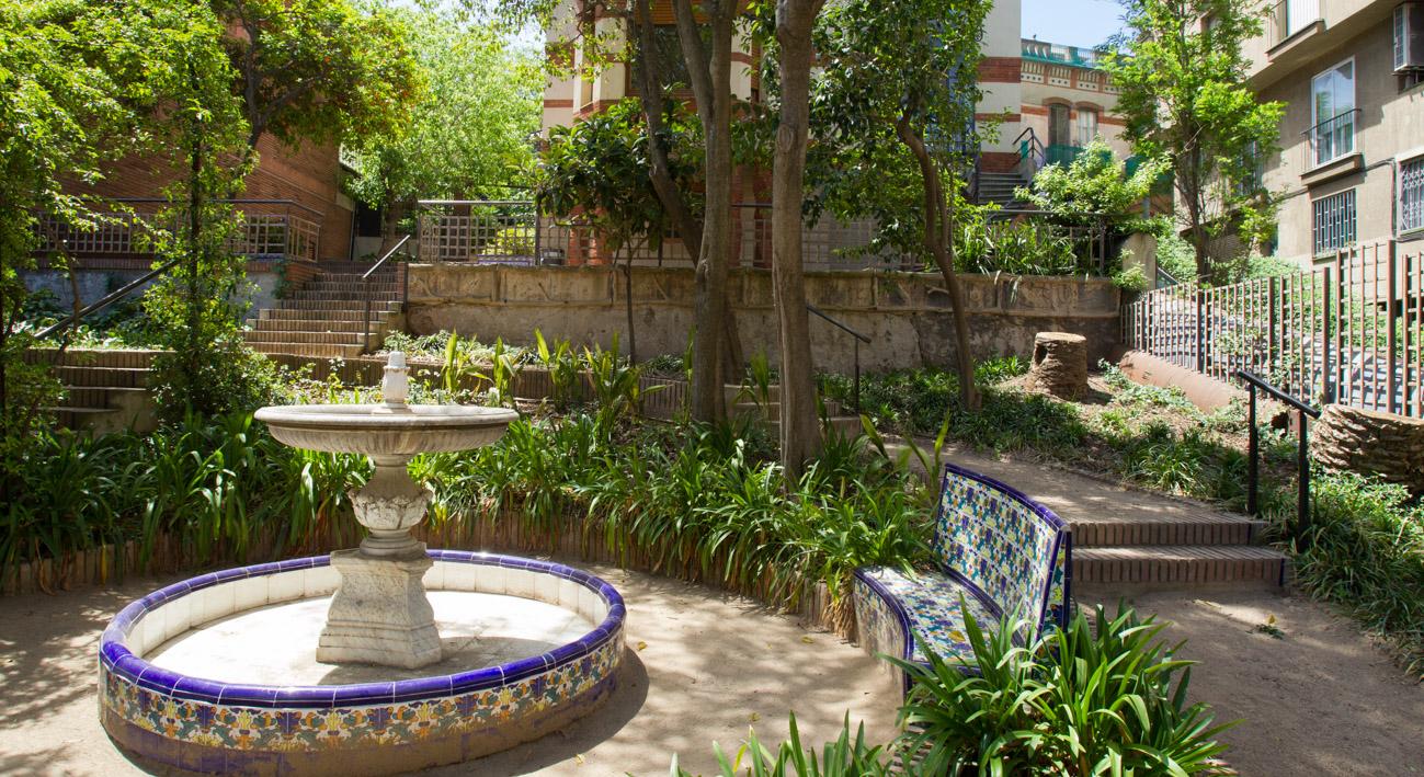 Jardines de portol web de barcelona for Casas en la jardin balbuena