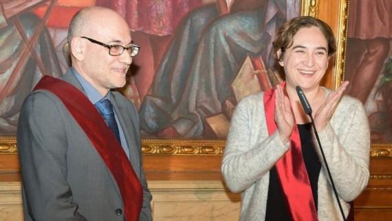 Koldo Blanco de Ciutadans amb Ada Colau