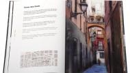 Pàgines interiors del llibres 'Barcelona. Ciutat Vella' de Jordi Querol