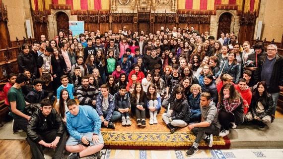 XXI Audiència Pública de Nois i noies, al Saló de Cent. Joves debaten sobre seguretat i ciutat.