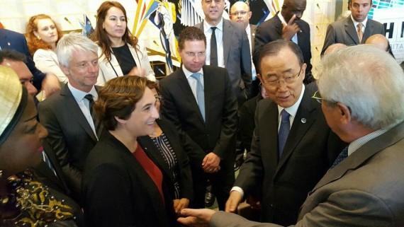 L'alcaldessa Ada Colau amb el secretari general de l'ONU, Ban Ki-Moon a la seu de Nacions Unides a Nova York.