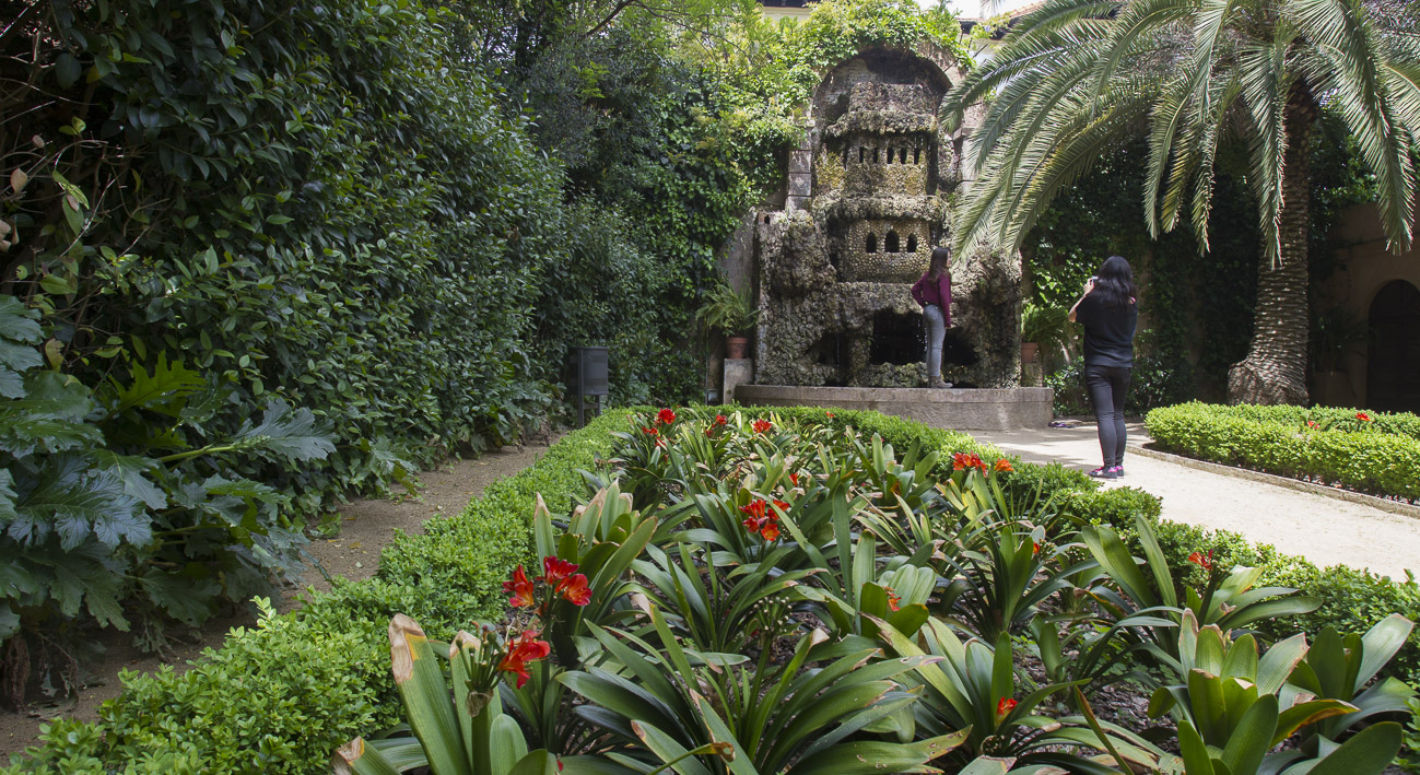 Jardines de la tamarita web de barcelona for Parques con jardines