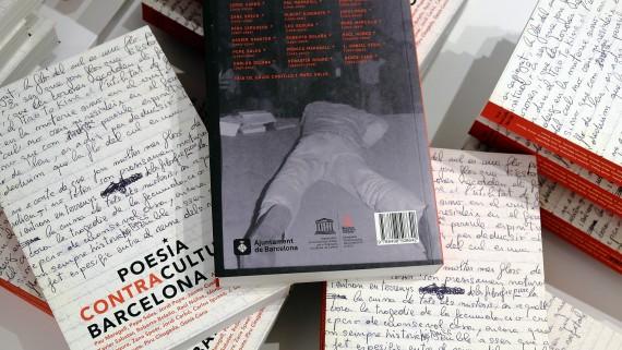 Coberta i contracoberta del llibre 'Poesia Contracultural Barcelona'