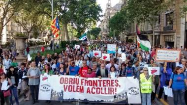 manifestació refugiats: obriu fronteres, volem acollir! 19 juny 2016