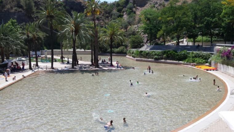 En verano refr scate en las piscinas de la ciudad info barcelona ayuntamiento de barcelona - Piscinas municipales en barcelona ...