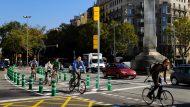Carril bici a la Plaça de Joan Carles I