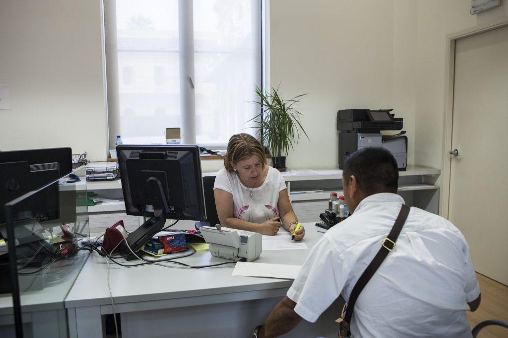 se municipaliza el servicio de atenci n en las oficinas de