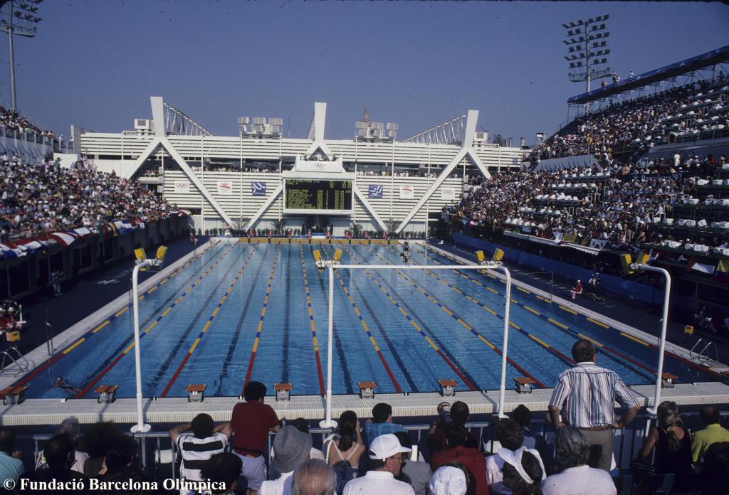 Les piscines picornell 25 anys despr s 25 aniversari for Piscines picornell