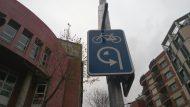 Carril bici carrer de Cartagena. Senyalització cruïlla amb Provença
