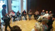 Grupo de trabajo en la sesión del Foro 24 de mayo