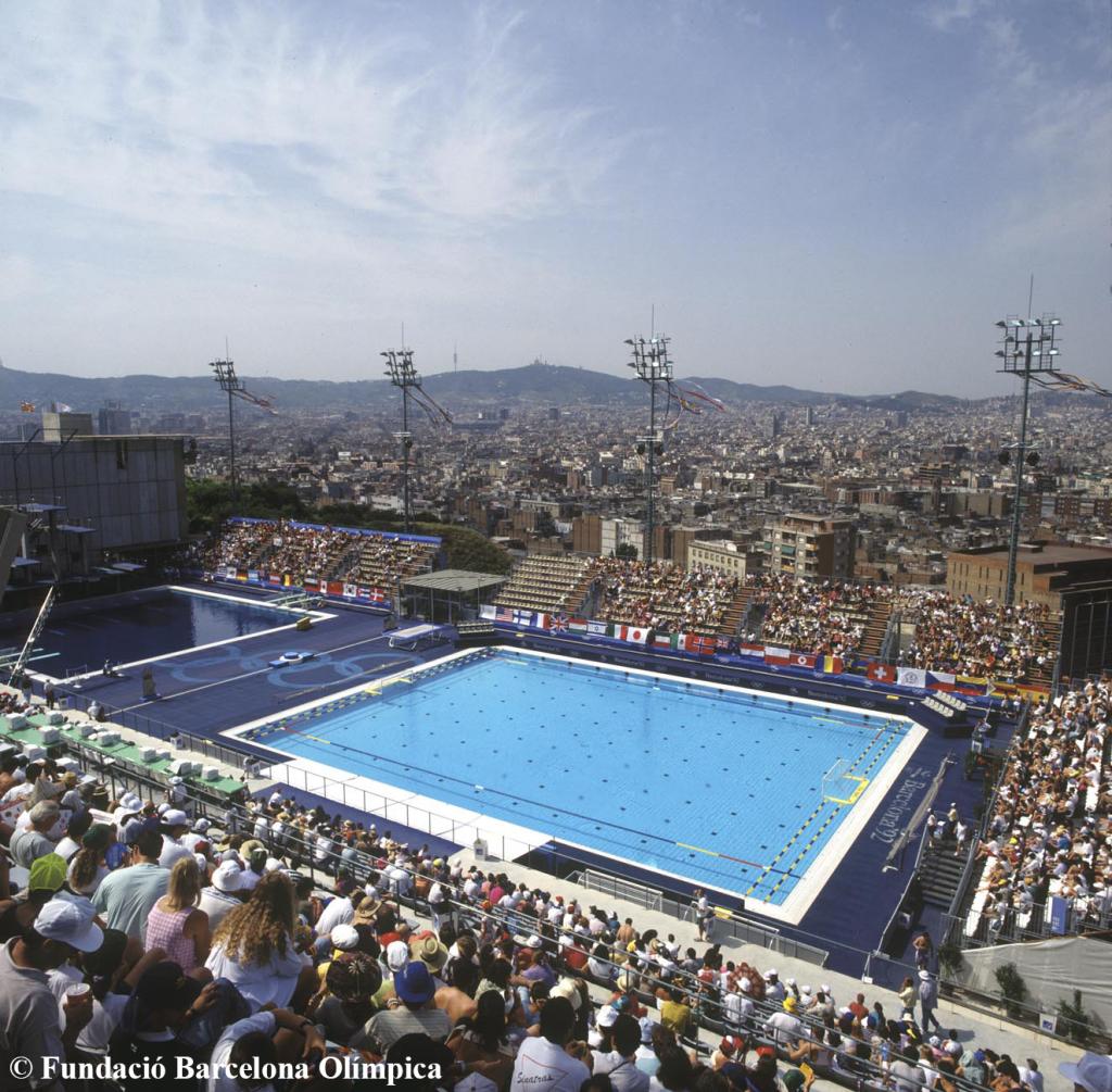 La piscina municipal de montju c 25 anys despr s 25 for Piscina montjuic barcelona