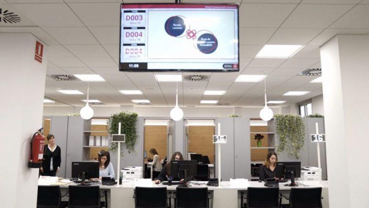 Menys burocr cia als serveis socials info barcelona for Oficina habitatge sant marti