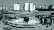 La construcció de la depuradora d'aigües residuals de Ciutat Badia. Any 1976 (Leopoldo Plasencia - IEFC)
