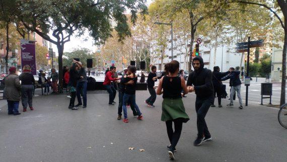 Master class de danses urbanes a Sant Martí Eix Comercial.