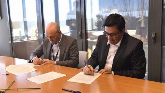 Lluís Torner, Director ICFO, i Gerardo Pisarello, Primer tinent d'alcaldia de l'AjdB. Graphene-Accelerator. RJosa