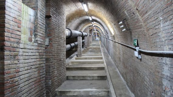 Túnel subterrani que uneix les Cases de l'Aigua