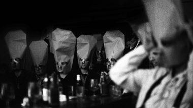 (c)Consuelo Bautista, c.1990 - Reunió poètica al bar Glaciar, a la plaça Reial.