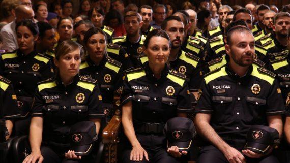 Nous agents Guàrdia Urbana i nous uniformes