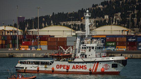 Arribada a Barcelona del vaixell d'Open Arms amb 60 immigrants (juliol de 2018).