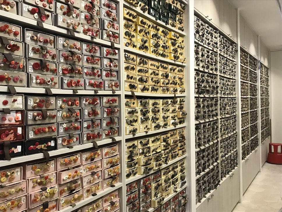 Los Rosa De Plata De Barna Centre Premian A Up Headwear Massimo Dutti Y Merceria Santa Ana Bombers De Barcelona Ajuntament De Barcelona