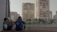 Refugiats siris en un camp de futbol turc