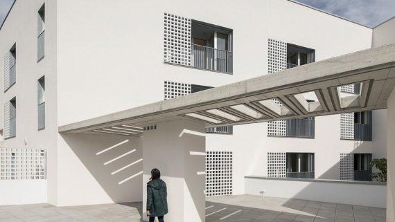 Promoció d'habitatge públic Quatre Camins.