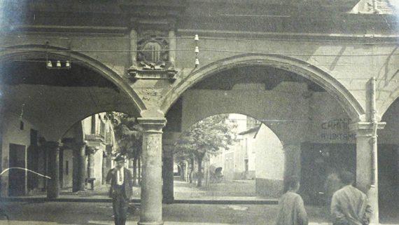 Arcadas de Sangüesa reproducidas en el Poble Espanyol. 1927 AFB. Autor desconocido
