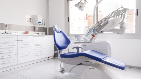 Dentista municipal, servei d'odontologia Barcelona