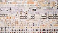 Francesc Abad, El Camp de la Bota, 2004. Tinta sobre paper 1153 documents de 20 x 21 cm (c/u) Col·lecció MACBA. Consorci MACBA Donació de l'artista © Francesc Abad, VEGAP, Barcelona, 2019 Fotografia (fragment): Tony Coll