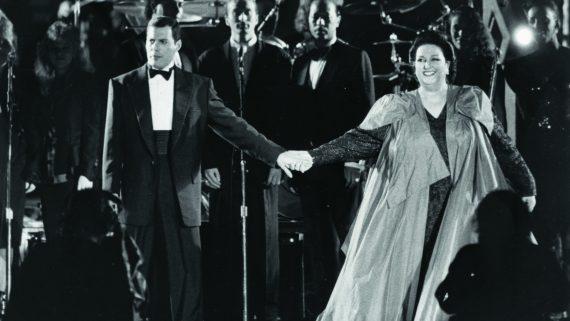 Medalla d'or a la ciutat a Montserrat Caballé