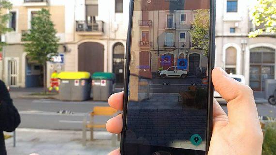 L'aplicació, de l'empresa 8 bells,  proporciona l'experiència personalitzada d'AR que connecta els continguts digitals amb el món físic per tal de potenciar la navegació en 3D