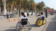 Infants i joves en cadira de rodes practicant esport