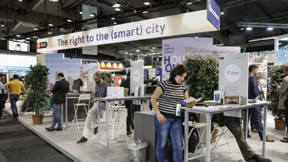 RRII_smartcity_stand2018
